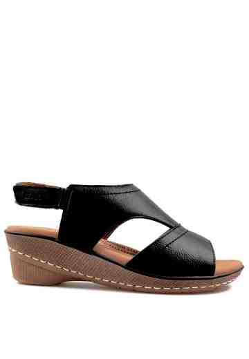 Iriana Wedges Sandals Black