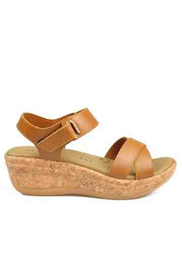 Beth Wedges Sandals Tan