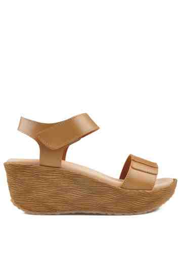 Agnes Wedges Sandals Cappucino