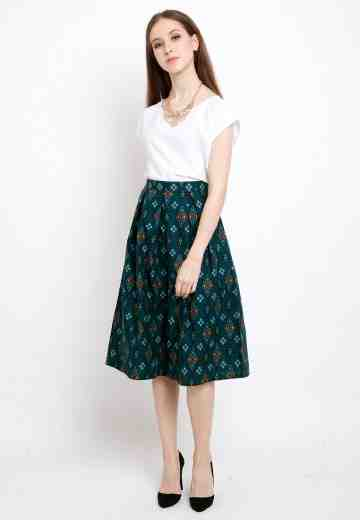 Dila Skirt in Green image