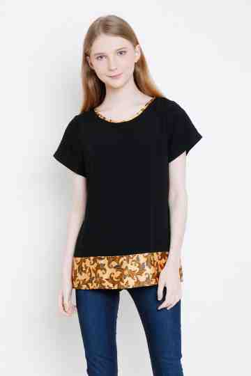 Arella Top in Black image