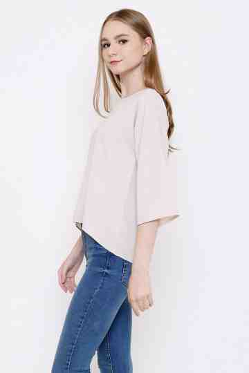 Sora Top in Creme image