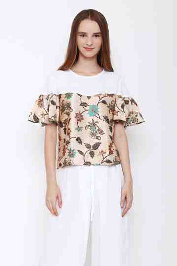 Irda Top in Creme image
