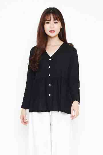 Raline Top in Black image