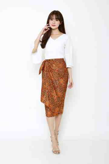 Iris Skirt Gold image