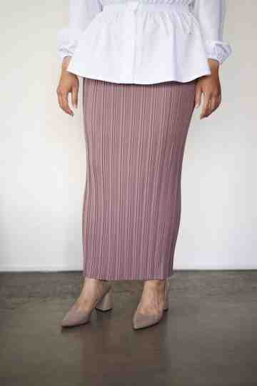 linea pleat skirt lavender image