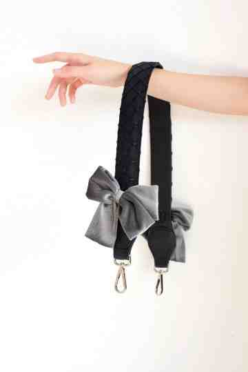 Mini Dior Bow - Black image