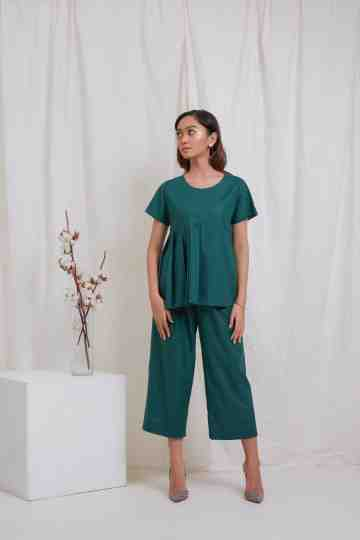 Green Side Pleat Top