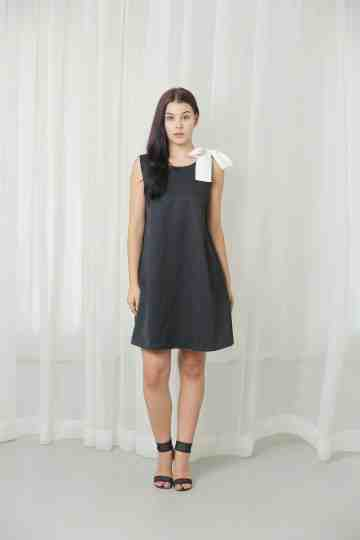 Black Peppy Dress Black with White ribbon