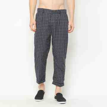 ONIISAN BLACK LOOSE FIT ANKLE CHECKED PANTS