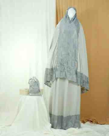 Annisa Prayer Robe Silver A image