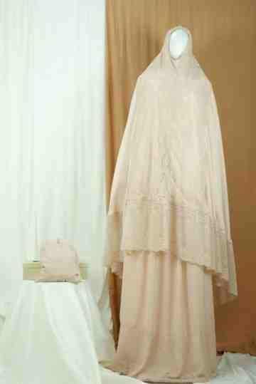Annisa Prayer Robe Light Salem A image