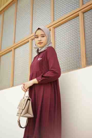 aleta dress upsize wine image
