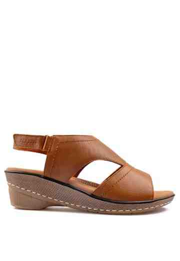Iriana Wedges Sandals Brown