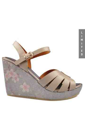 Yuri Wedges Sandals Taupe