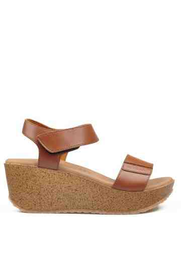 Bella Wedges Sandals Brown