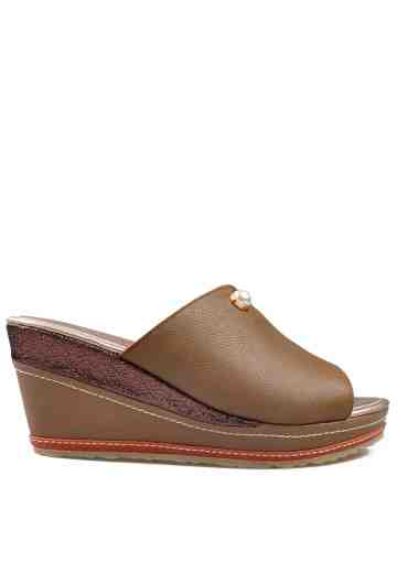 Iora Wedges Sandals Brown