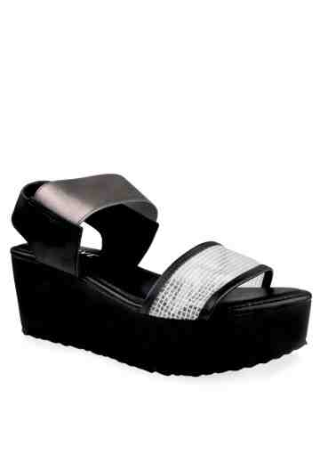 Briana Wedges Sandals Black