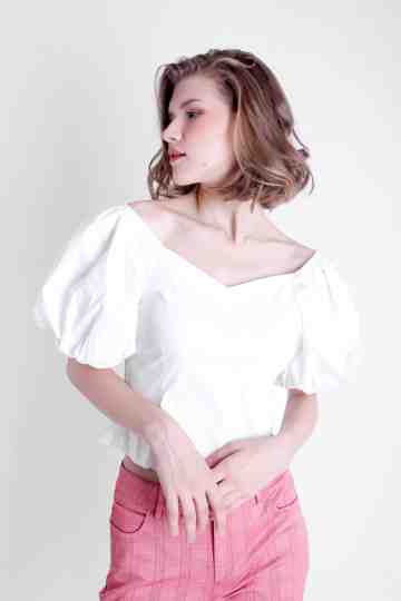 BALOON SLEEVE CROP BLOUSE