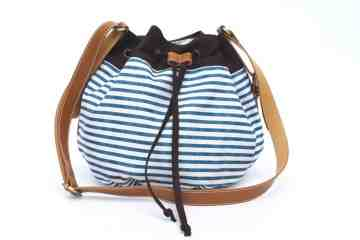 Navy striped drawstring series image