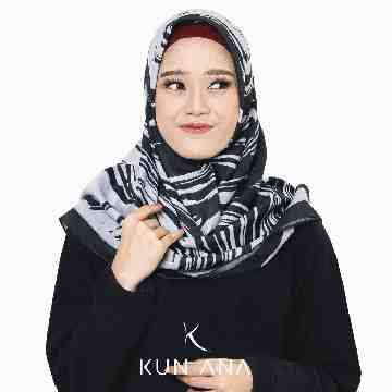 KERUDUNG VOAL OIL BY KUN ANA