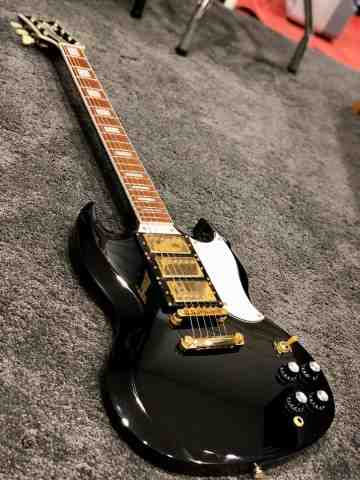 Tokai SG-71S BB in Black Beauty with Gold Hardware