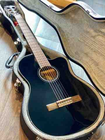 Fender CN140SCE Nylon Solid Top Acoustic Electric in Black