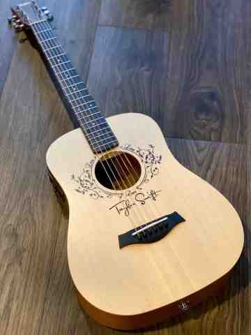 Taylor Baby Taylor-e Acoustic Guitar with Bag Taylor Swift Signature