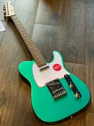Squier Affinity Telecaster in Race Green with Laurel FB