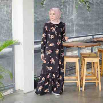 Liana Dress Black Flower image