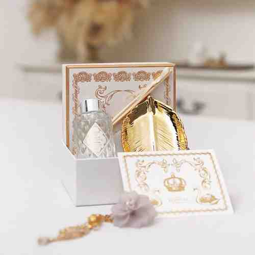 Elantier Gold Leaf Hamper 2