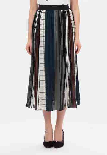 Mix Line Long Skirt in green image