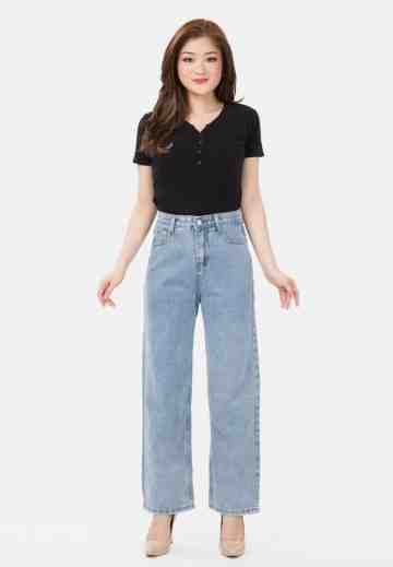 Basic Straight Jeans in Light Blue image