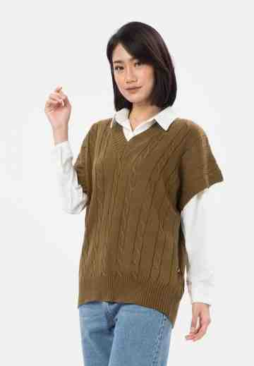 Cable Knit Vest in Brown image