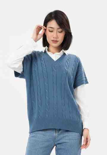 Cable Knit Vest in Blue image