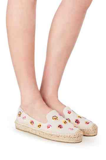 """Pansy Garden"" Smoking Slippers"