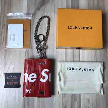 LV x Supreme Chain Wallet Red