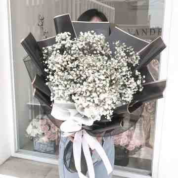 Babybreath Bouquet - Gold Package