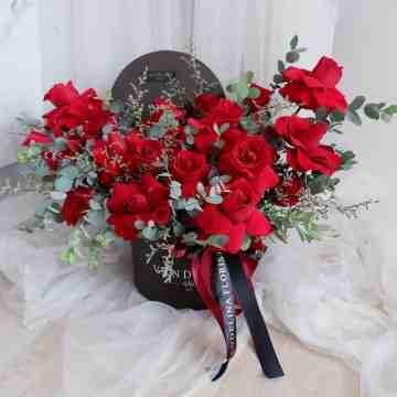 Bold Full Roses Bloombox Arrangements